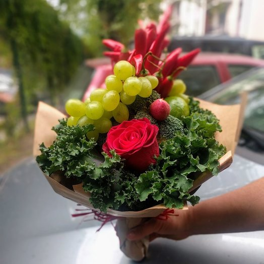 Vegetable bouquet with grapes: flowers to order Flowwow