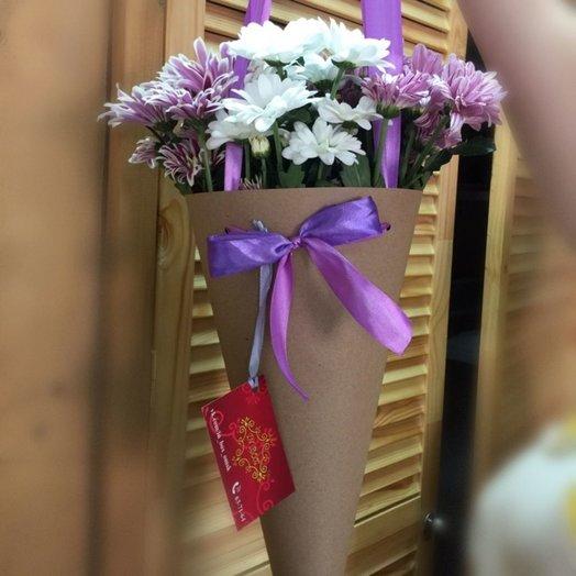 Букет из хризантем в конусе: букеты цветов на заказ Flowwow