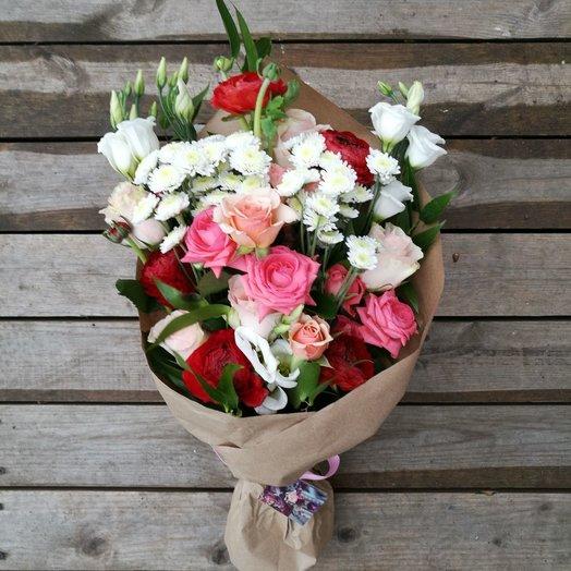 Букет в крафт бумаге .: букеты цветов на заказ Flowwow