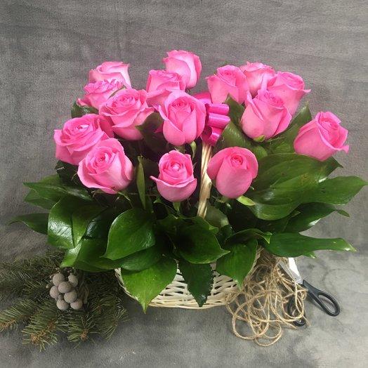 "Корзинка "" Розовый куст"": букеты цветов на заказ Flowwow"