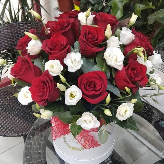"Шляпная коробка ""Моей любимой"": букеты цветов на заказ Flowwow"
