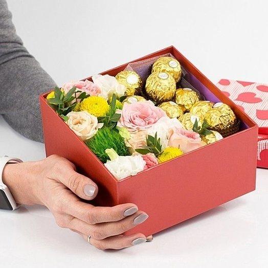 Сладкая коробочка с ферерро: букеты цветов на заказ Flowwow
