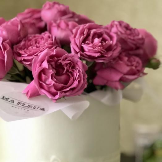Розы в шляпной коробке-миди: букеты цветов на заказ Flowwow