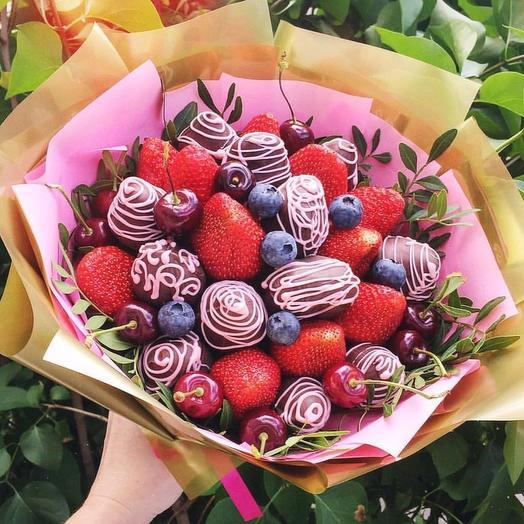 Клубничный букет «Солнце»: букеты цветов на заказ Flowwow