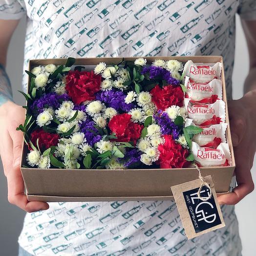 Box 13 Средний 2: букеты цветов на заказ Flowwow
