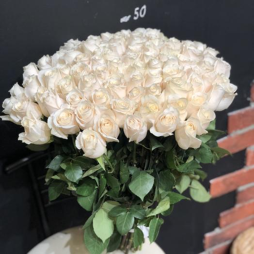 101 белая роза 50 см (Эквадор): букеты цветов на заказ Flowwow