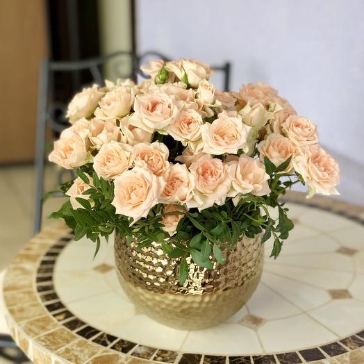 Французские розы в керамической вазе: букеты цветов на заказ Flowwow