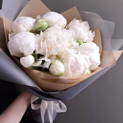 """Воздушное облако пионов """"Белоснежка"""": букеты цветов на заказ Flowwow"""