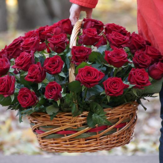 """Корзина из роз """"Седьмое небо"""": букеты цветов на заказ Flowwow"""