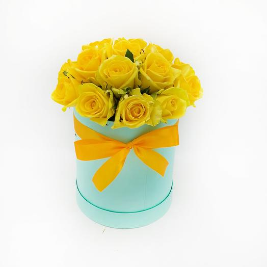 15 желтых роз в шляпной коробке: букеты цветов на заказ Flowwow