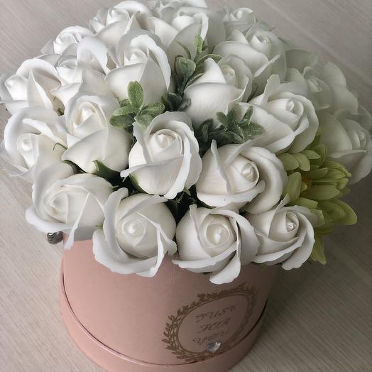 Букет из мыльных роз белого цвета