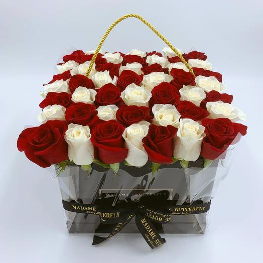 Grande square black with 49 mixed roses: букеты цветов на заказ Flowwow