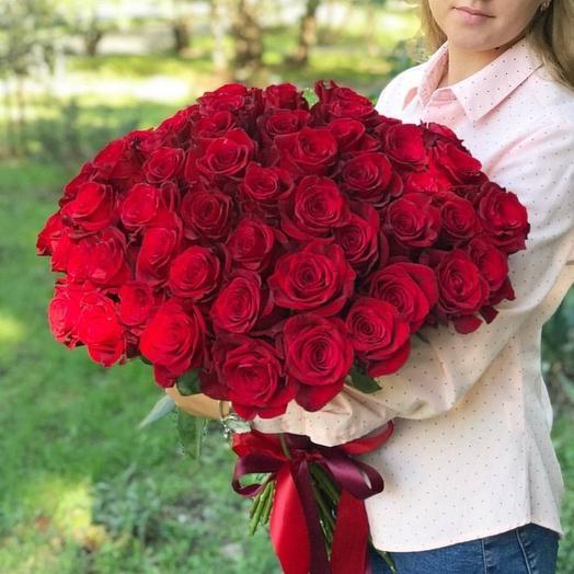 Букет для любимой из 55 красных роз