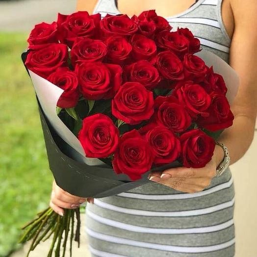 Моно-букет 25 красных роз