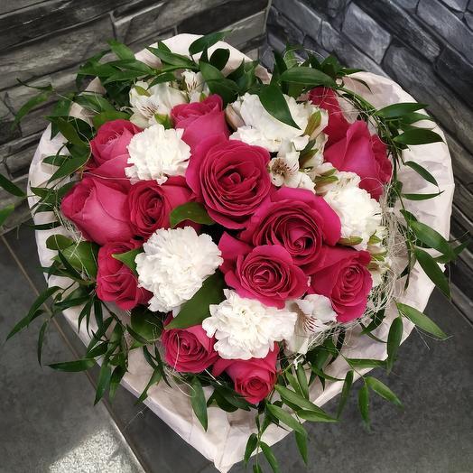 "Букет роз ""Влюбленный купидон "": букеты цветов на заказ Flowwow"