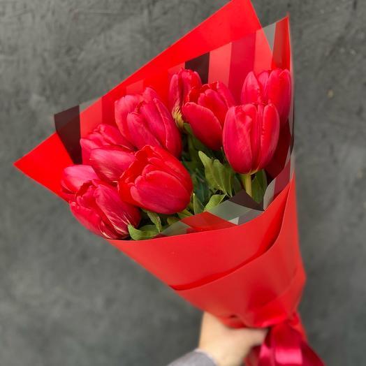 Букет 11 красных тюльпанов «Честный»