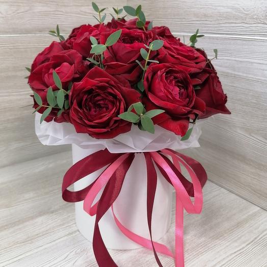 17 роз в коробке