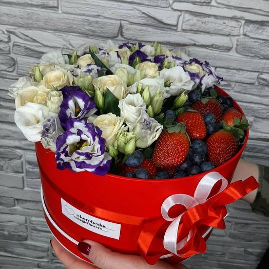 Букет с ягодами