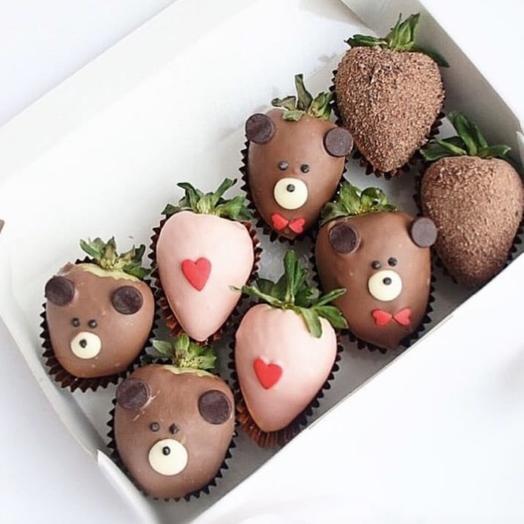 Клубника в шоколаде «Влюблённый мишка»