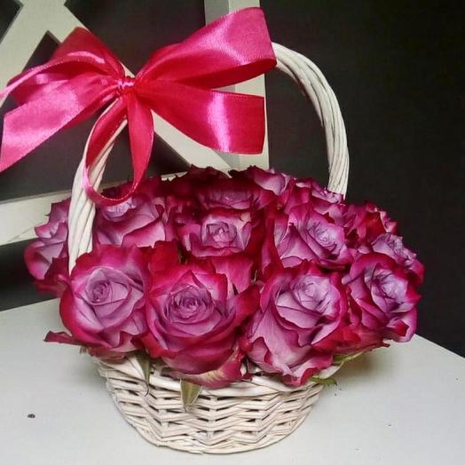 15 роз Дип Перпл, Эквадор в корзинке