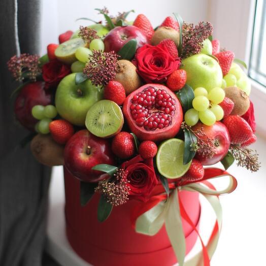 Букет из фруктов в коробке Изумрудный гранат