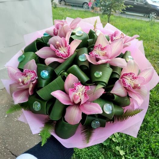 Букет из розовых орхидей 7шт