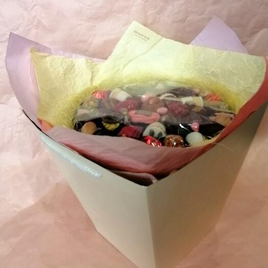 Букет из конфет ручной работы FRENCH KISS SPB 010603