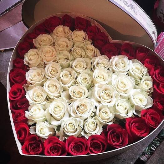 Сердце с 51 розой