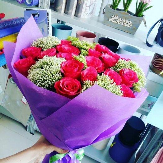 Букет из 15 роз с трахелиумом: букеты цветов на заказ Flowwow