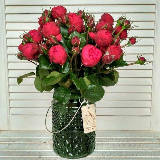 Роза Ред Пиано в вазе: букеты цветов на заказ Flowwow