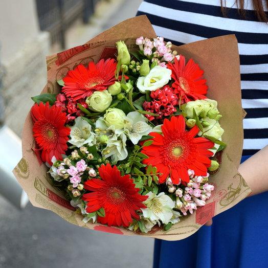 Нежный букет с герберами: букеты цветов на заказ Flowwow