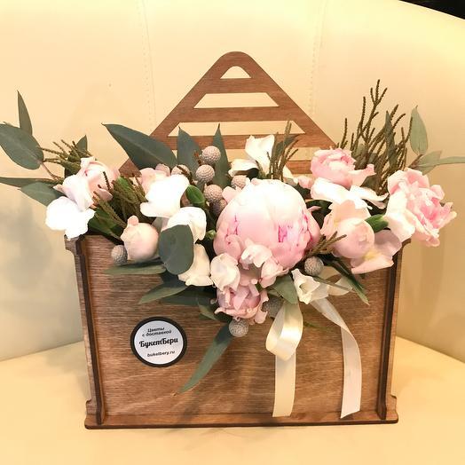 Конвертик с пионами: букеты цветов на заказ Flowwow