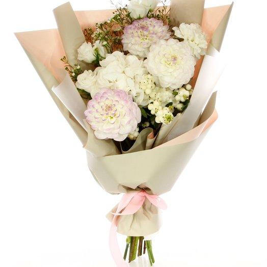 Букет с гортензией и георгинами: букеты цветов на заказ Flowwow