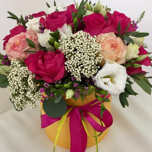Коробка с розами : букеты цветов на заказ Flowwow