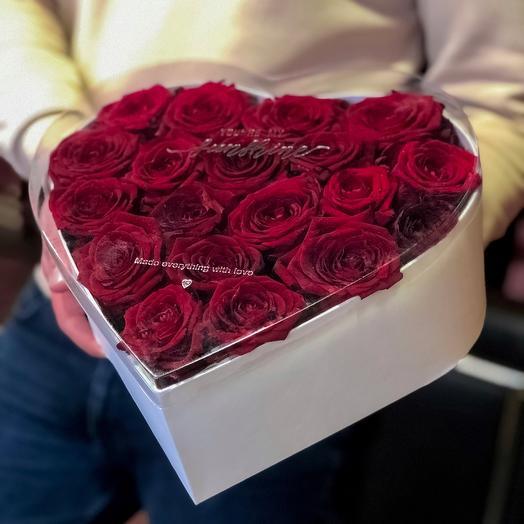 Коробка-сердце: букеты цветов на заказ Flowwow