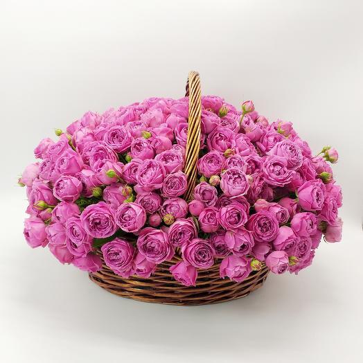 Корзина с пионовидной розой: букеты цветов на заказ Flowwow
