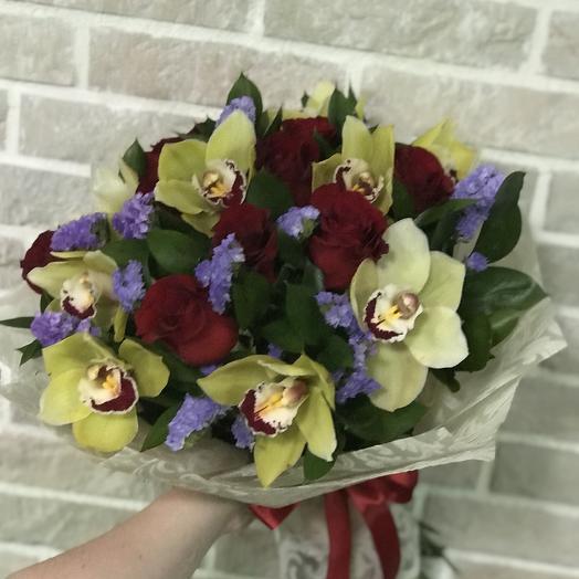 Моей королеве: букеты цветов на заказ Flowwow