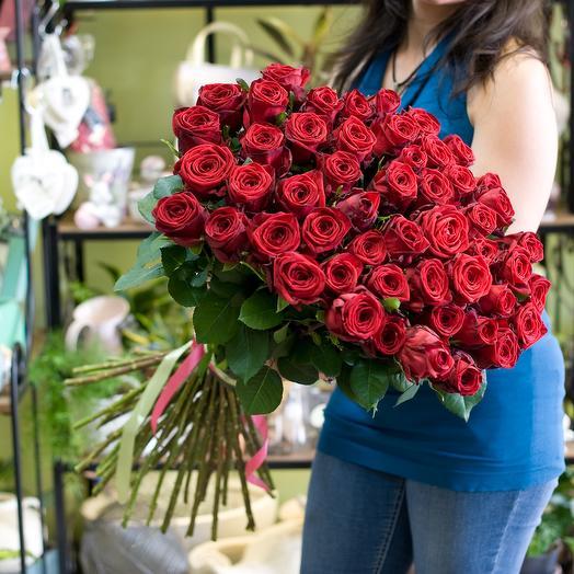 51 роза Ред наоми: букеты цветов на заказ Flowwow