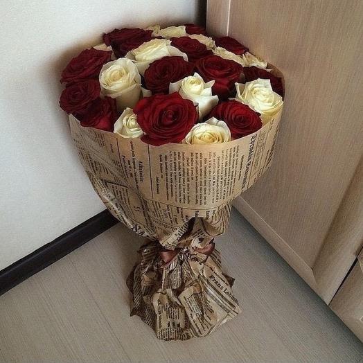 19 роз Инь-янь: букеты цветов на заказ Flowwow