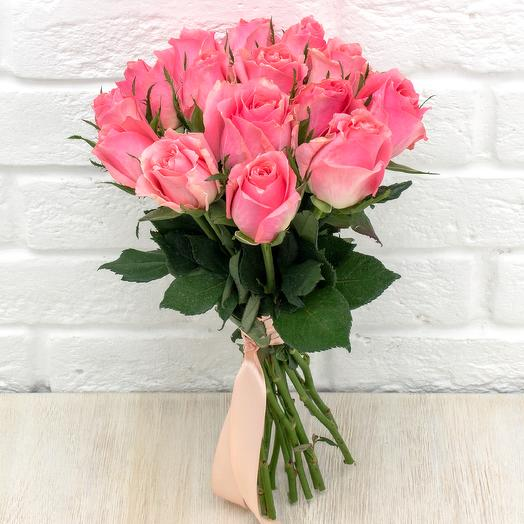 15 розовых роз 40 см