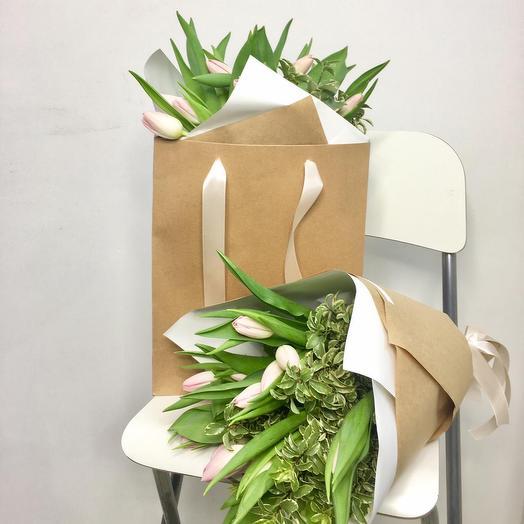 Букет из 13 розовых тюльпанов: букеты цветов на заказ Flowwow
