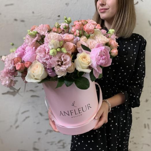 Шляпная коробка размера L в нежной гамме: букеты цветов на заказ Flowwow