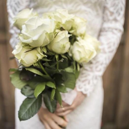 """Букет белых роз""""семейное счастье """": букеты цветов на заказ Flowwow"""