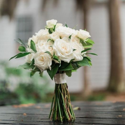 Особенный букет Белые розы