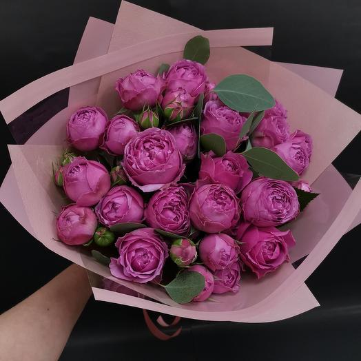 Мисти Баблс. Букет роскошных пионовидных роз