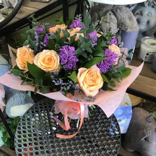 Букет с гиацинтами: букеты цветов на заказ Flowwow