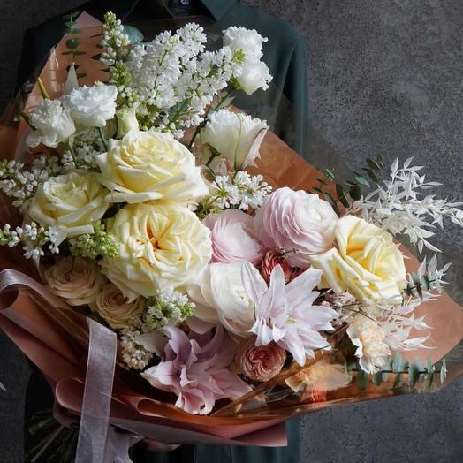 Красивый букет с сиренью ,ранункулюсами и пионовидными розами -«К чаю»