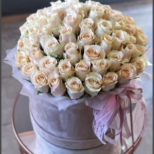 Коробка из 71 роз