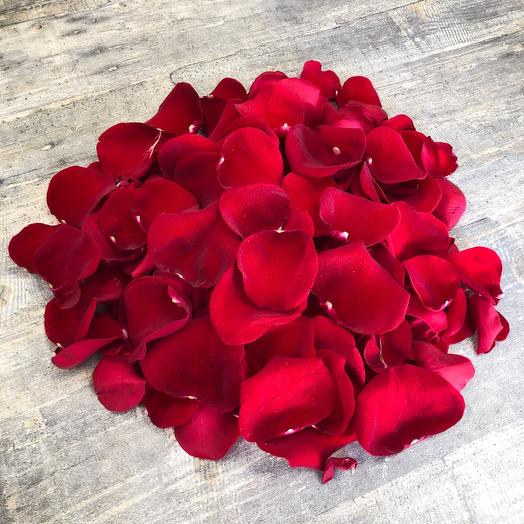 Лепестки из 6 роз
