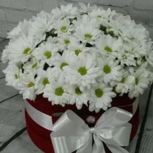 Цветы в коробке и мыло ручной работы в подарок